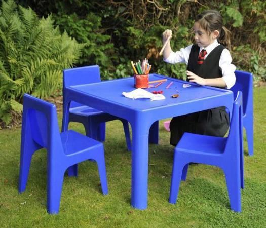 میز صندلی پلاستیکی پایه چوبی